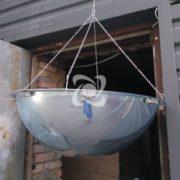 купольное зеркало на цепочке прикрепленное к потолку