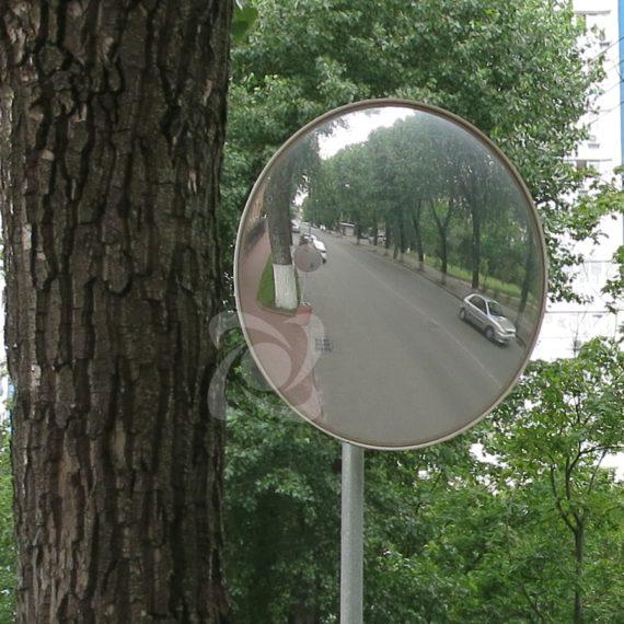 Дорожное зеркало без козырька диаметром 60см при выезде со двора