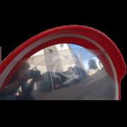 Дорожное зеркало для улицы в защитной пленке и без нее