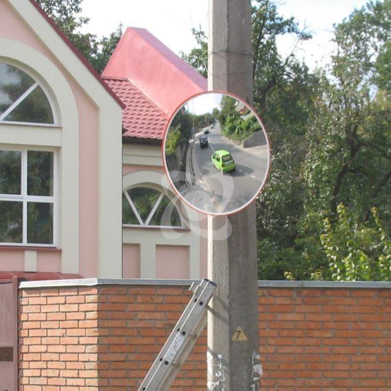 Универсальное дорожное зеркало в котеджном городке
