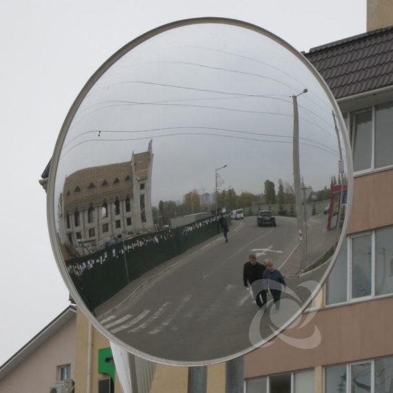 Круглое дорожное зеркало диаметром 900мм на пересечении дорог
